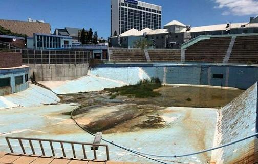 Derelict tank at Bayworld Oceanarium, South Africa